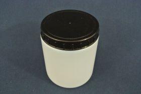 Flacon en polypropylène gradué 500 ml. Fermeture par capsule avec bouchon à vis.