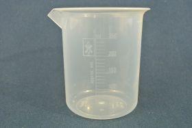 Bécher 250 ml polypropylène gradué dans la masse forme haute