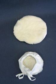 Beret peau de mouton avec cordon des serrage Ø 90 mm